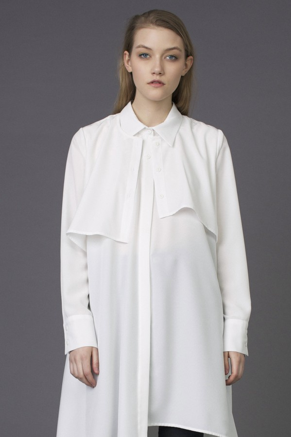 fluid white  shirt with pocket at the back