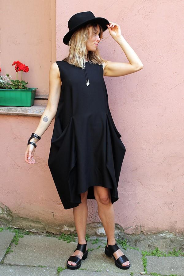 black dress Tokio
