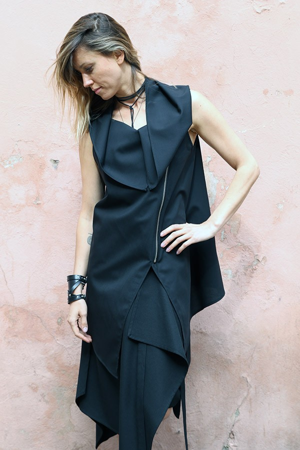 black blouse with zipper