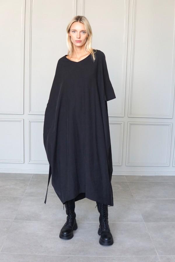 BLACK DRESS TALLINN