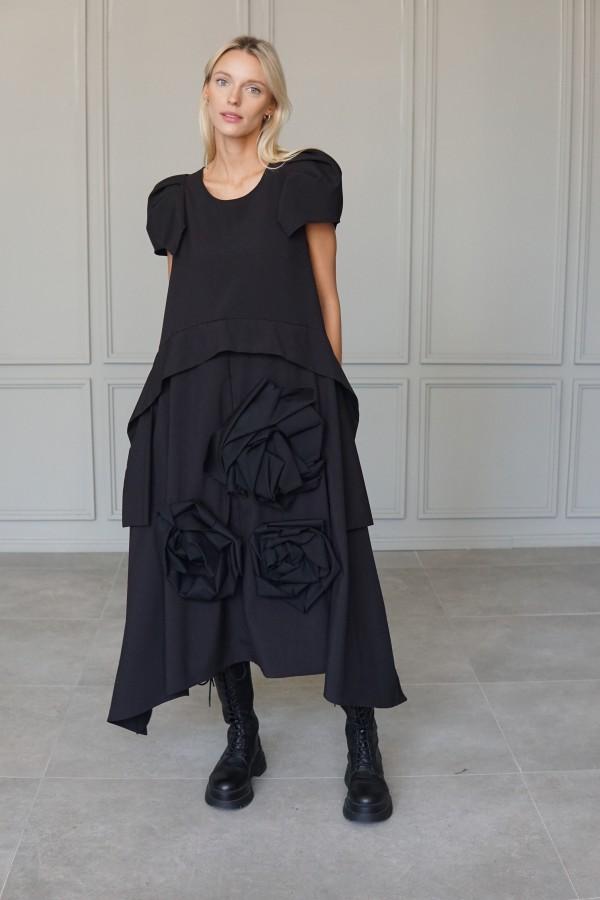 BLACK DRESS ROSE