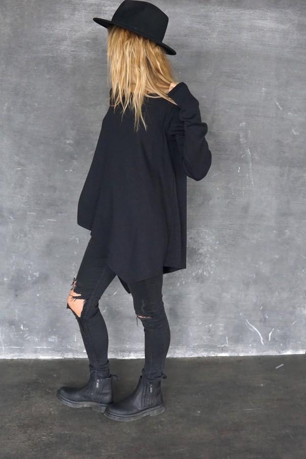 black blouse 2