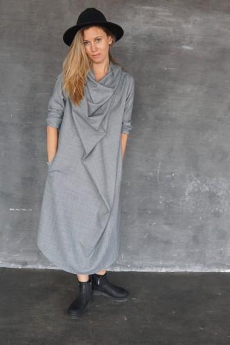 GRAY DRESS NECKLINE