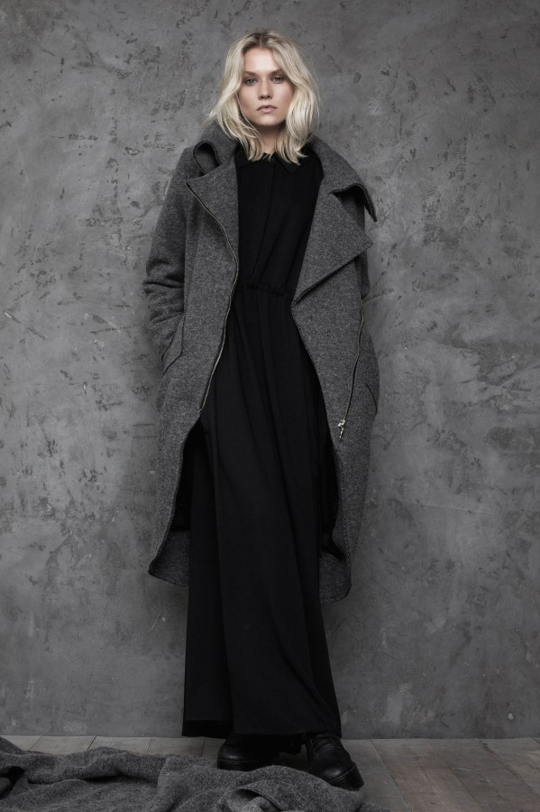 gray woolen coat with lining