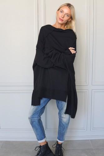 blouse with decorative details