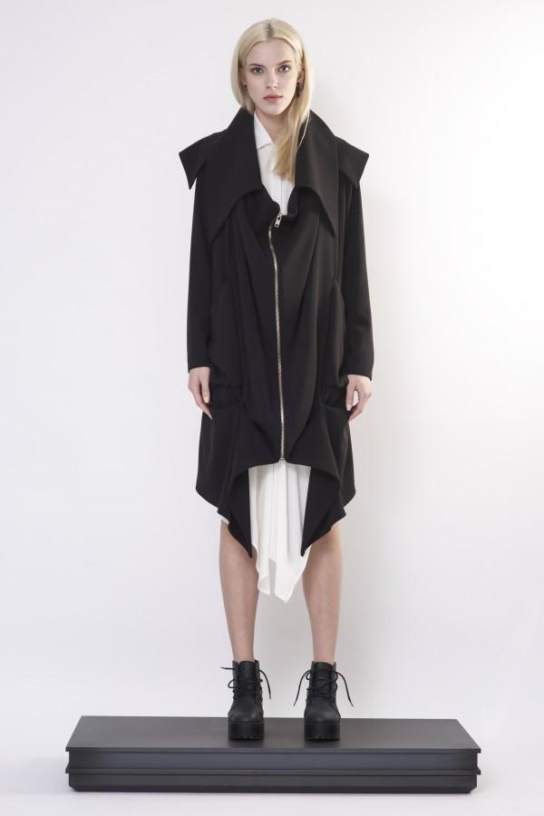 Draped coat with zipper