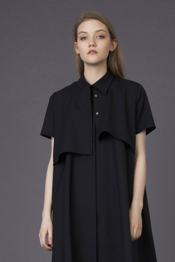 fluid black shirt with pocket at the back