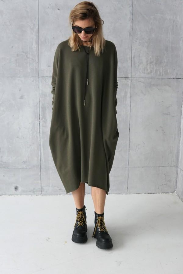SIMPLE GREEN DRESS