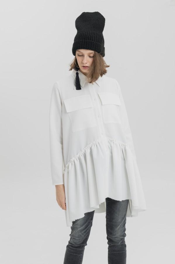 white shirt berlin